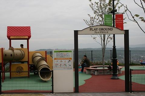 子供が遊べる場所、プレイグラウンド 土岐プレミアムアウトレット